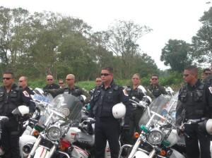 Formación de los motociclista al inicio del Rodeo