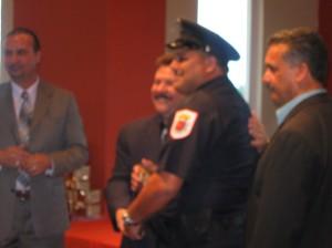 Pol. Enrique Mujica policía del año de Parque Ecuestre